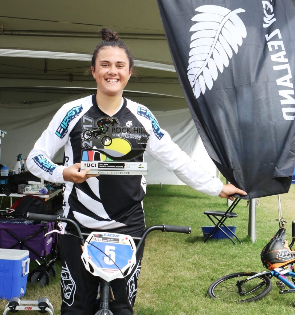 Jessie Smith doubles up with World Championship titles