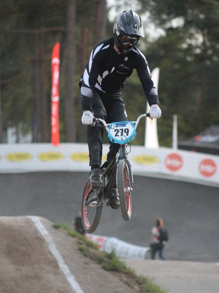 Jones earns first BMX grand final